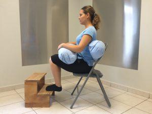 position assis avec coussin
